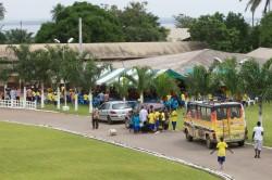 Don d'un minibus à l'orphelinat de Bingerville